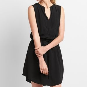 NWT GAP Sleeveless Tie-Waist Bib Front Shirtdress